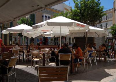 Siesta in der Altstadt von Sevilla
